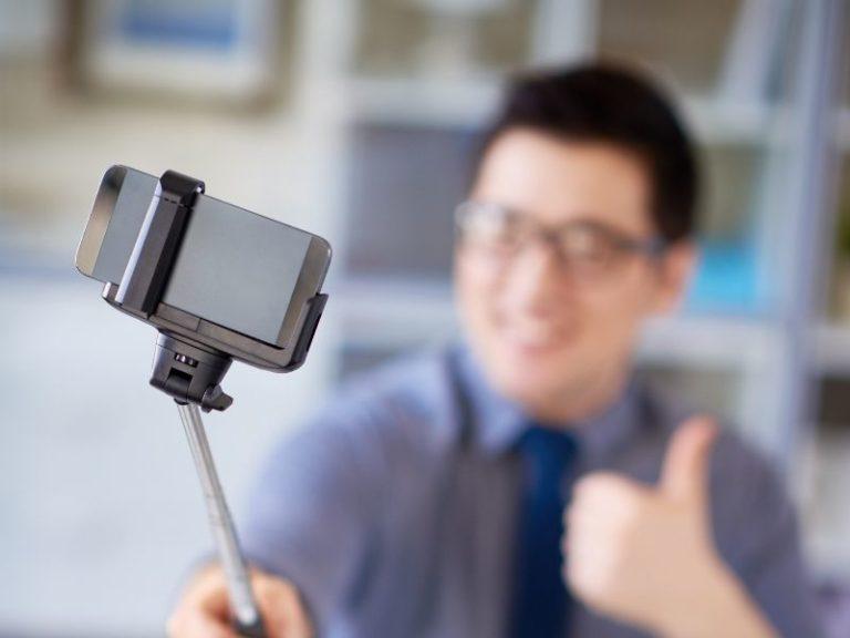 Reel ideas blog cover selfie-stick instagram